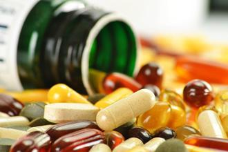 https://cdn.allaboutvision.com/images/nutrition-vitamins-330x220.jpg
